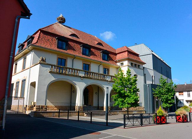 Vue de la mairie de Carspach.